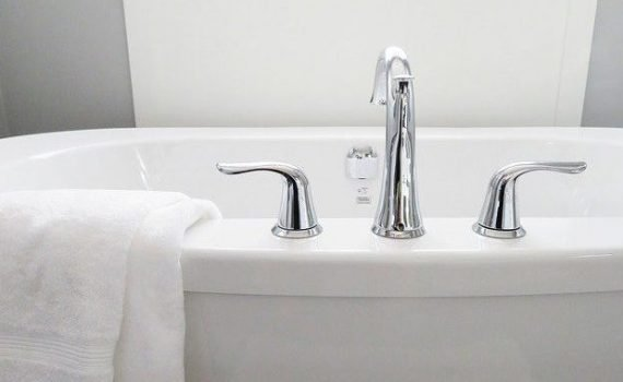 tub with new water faucet